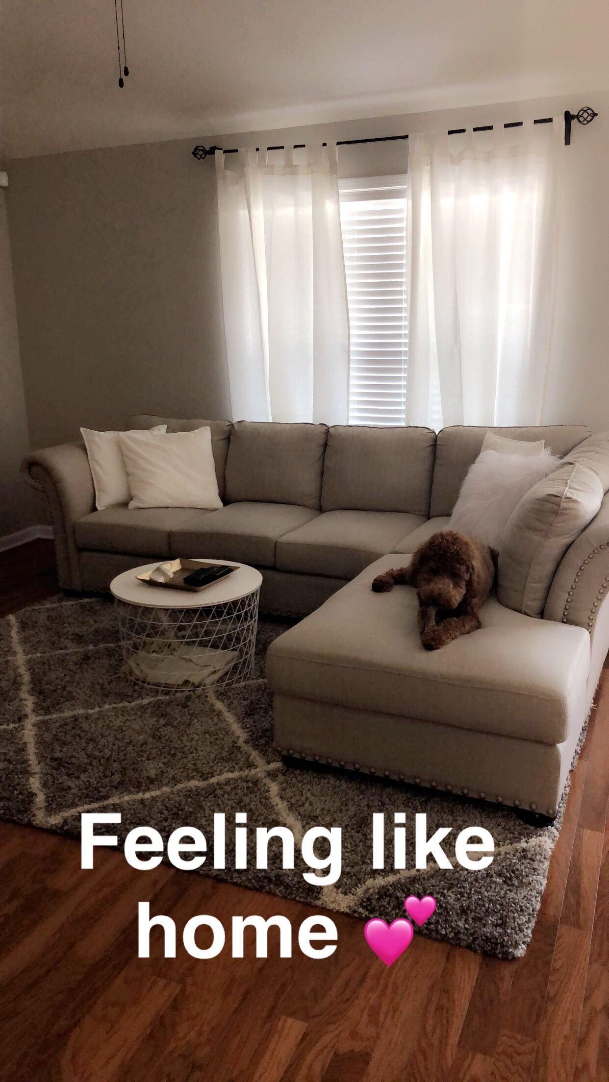 Uptight Lazy Boy Furniture Living Room #furnitureindonesia #HomeFurnitureWooden #smallapartmentlivingroom