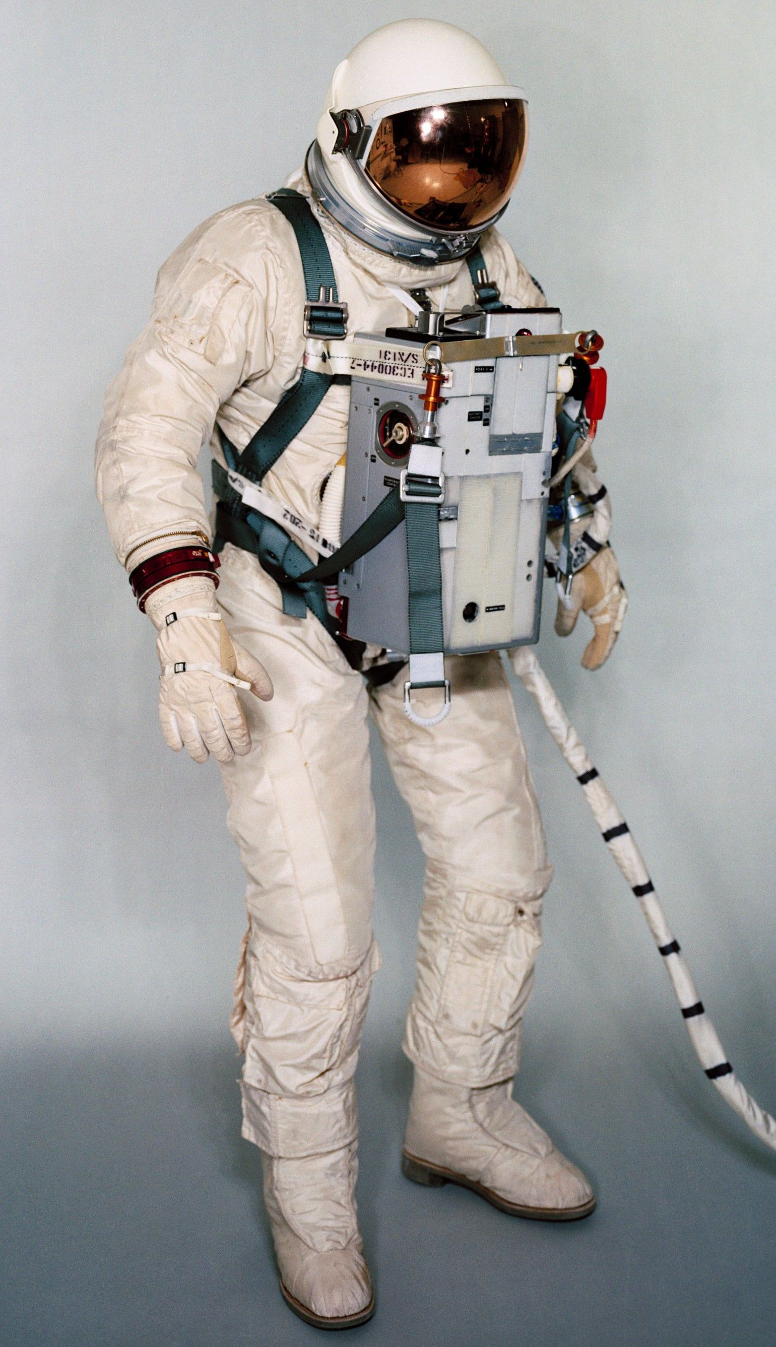 hight resolution of life support system astronaut suit project gemini space girl sci fi characters