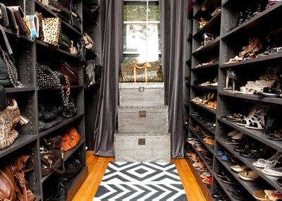Turn a Spare Bedroom Into a Dressing Room