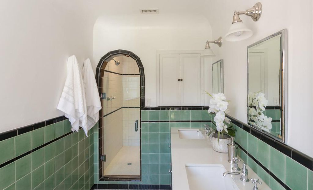Mindy Kaling Lists Spanish Revival In Los Angeles Spanish Style Bathrooms Spanish Bathroom Spanish Style Homes