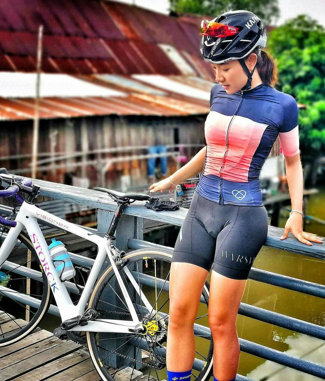 Cycling In Style Bicycle Girl Cycling Girls Cycling Women