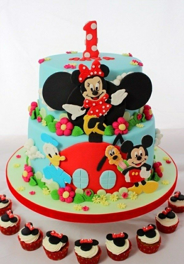 geburtstagstorte mit figuren aus der mickey mouse zeichentrickserie torte pinterest. Black Bedroom Furniture Sets. Home Design Ideas
