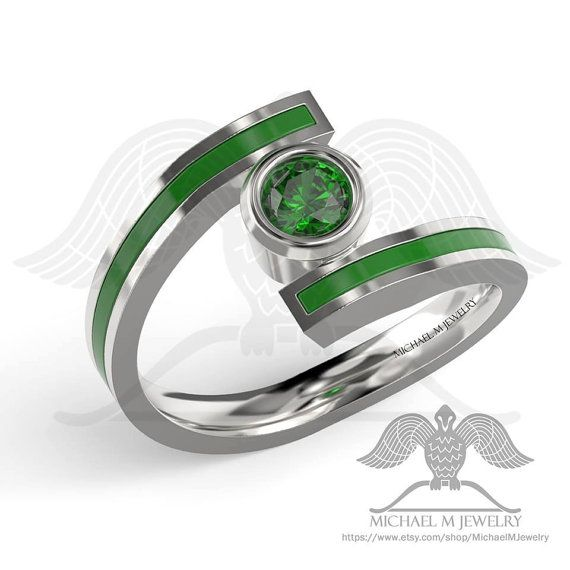 Green Lantern Ring With Green Cz Stone And Green Enamel In Sterling Silver Or 14k White Gold You Pick Want Other Si Linterna Verde Anillos De Boda Linterna