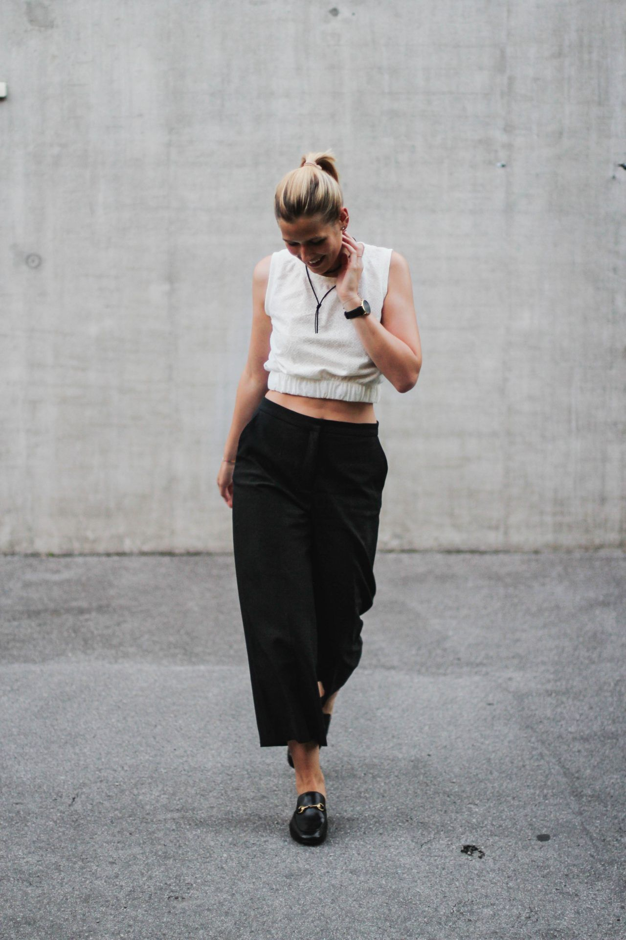 719ef922a tifmys – Suede choker, Larsson&Jennings watch, Zara crop top and culottes & Gucci  Princetown