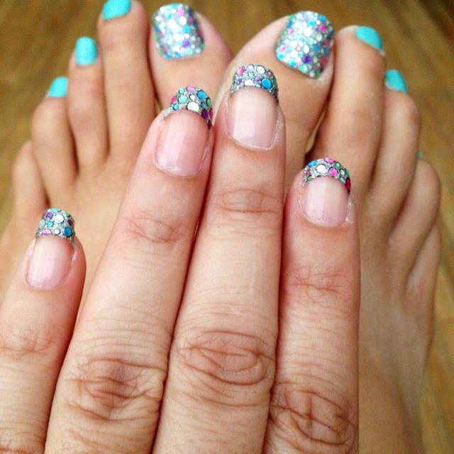 Glitter and complementary Tiffany blue?!  Yes please to this mani/pedi <3