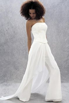 10 Non-Traditional Wedding Dresses for the Non-Traditional Bride ...