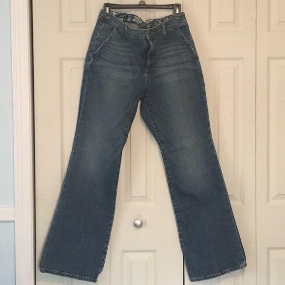 "Lands End Trouser Jeans Size 14 Lands End trouser jeans. Original fit. Modern waist. Regular length (31.5""). Like new. Worn twice. Size 14 Lands' End Jeans Boot Cut"