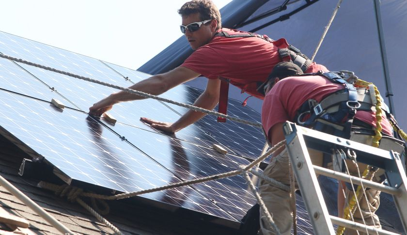 There Will Be More New Jobs in Solar Than Oil by the End