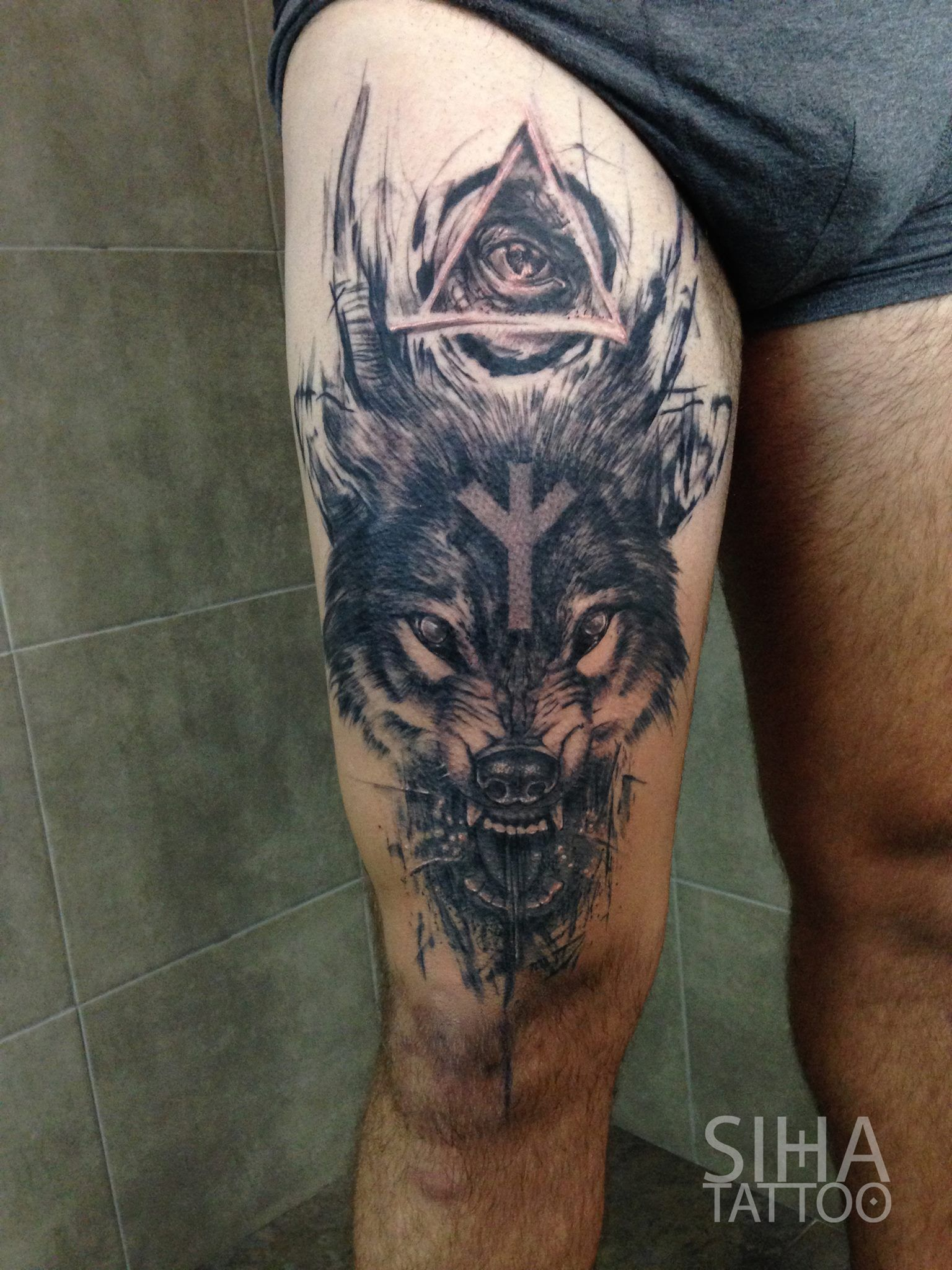 wolf by mocho at siha tattoo barcelona tatouages. Black Bedroom Furniture Sets. Home Design Ideas