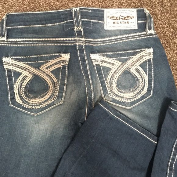 Big Star Liv Straights 25R Buckle Big Star Straight leg jeans. 25R.  Worn a couple times, like new!! No visible signs of wearing. Big Star Jeans Straight Leg
