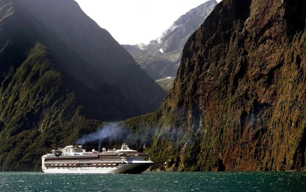 El Crucero Con El Que Dará La Vuelta Al Mundo En 5 De Enero De 2021 Un Barco Zarpará En Busca De Las Joyas Del Mun Destinos Para Viajar Barco Crucero Crucero