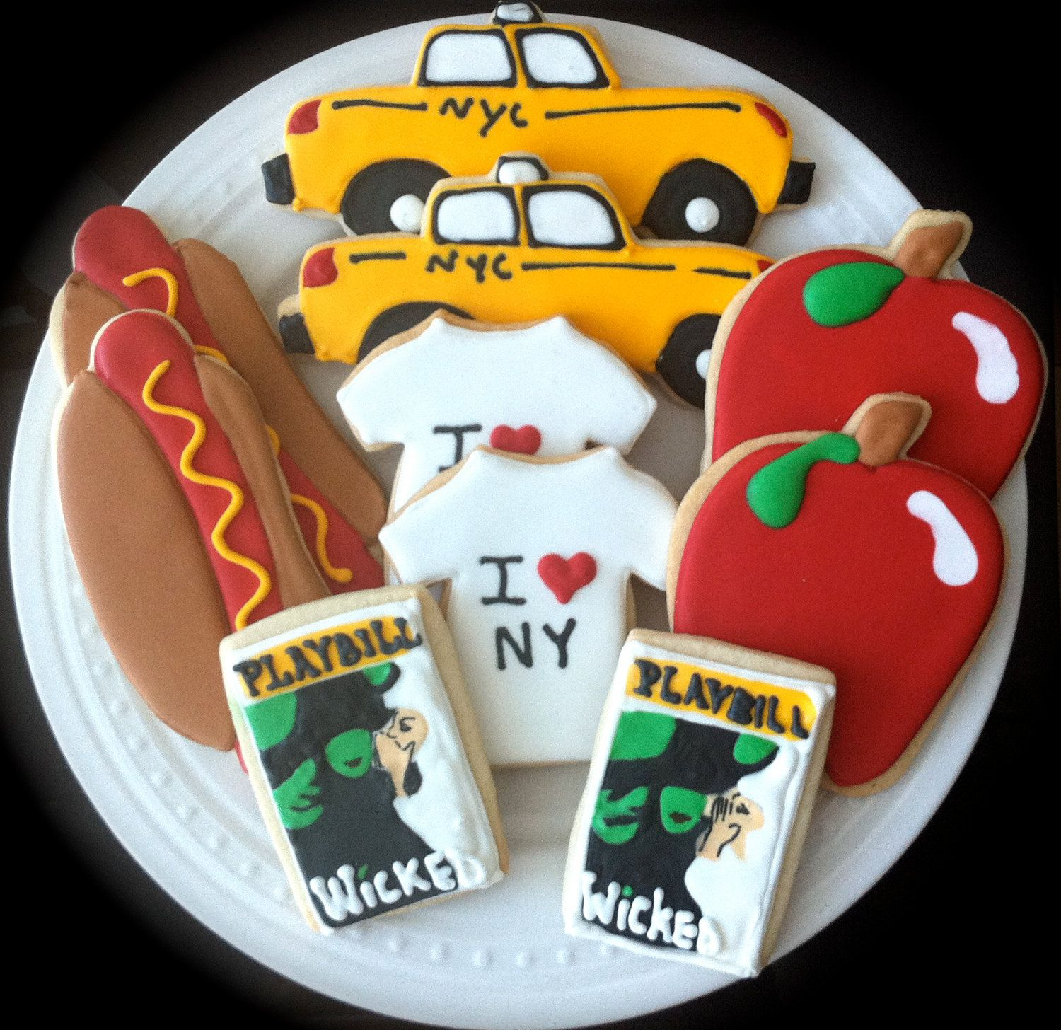 Decorated New York City Cookies I Heart Nyc Great Wedding Favors 48 00 Via Etsy New York Cookies New York Theme Party New York Party