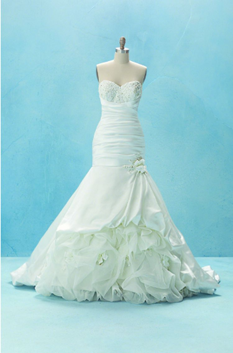 disney tiana inspired wedding dress, love this wedding dress! Also a ...
