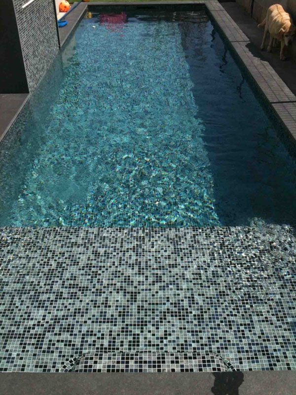 P tes de verre perla nera carrelage piscine pinterest for Carrelage piscine mosaique