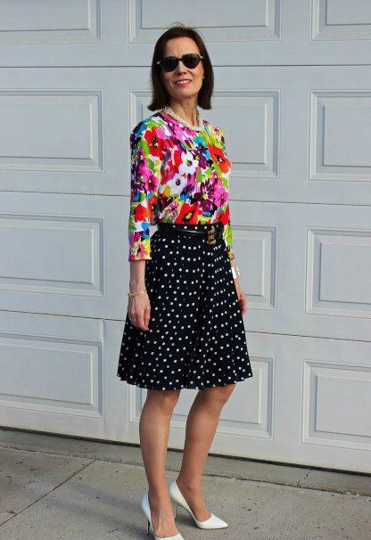206afb84fc Typically you'd think of a solid color up top but you can get creative and  mixed things up by adding a floral cardigan. It's an unexpected pairing  that ...