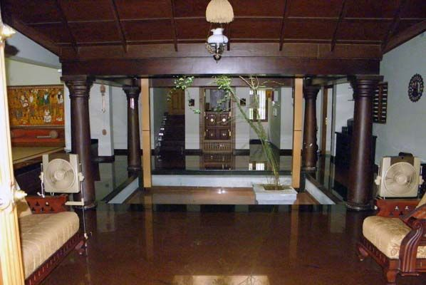Nalukettu Interior Google Search Kerala Traditional House