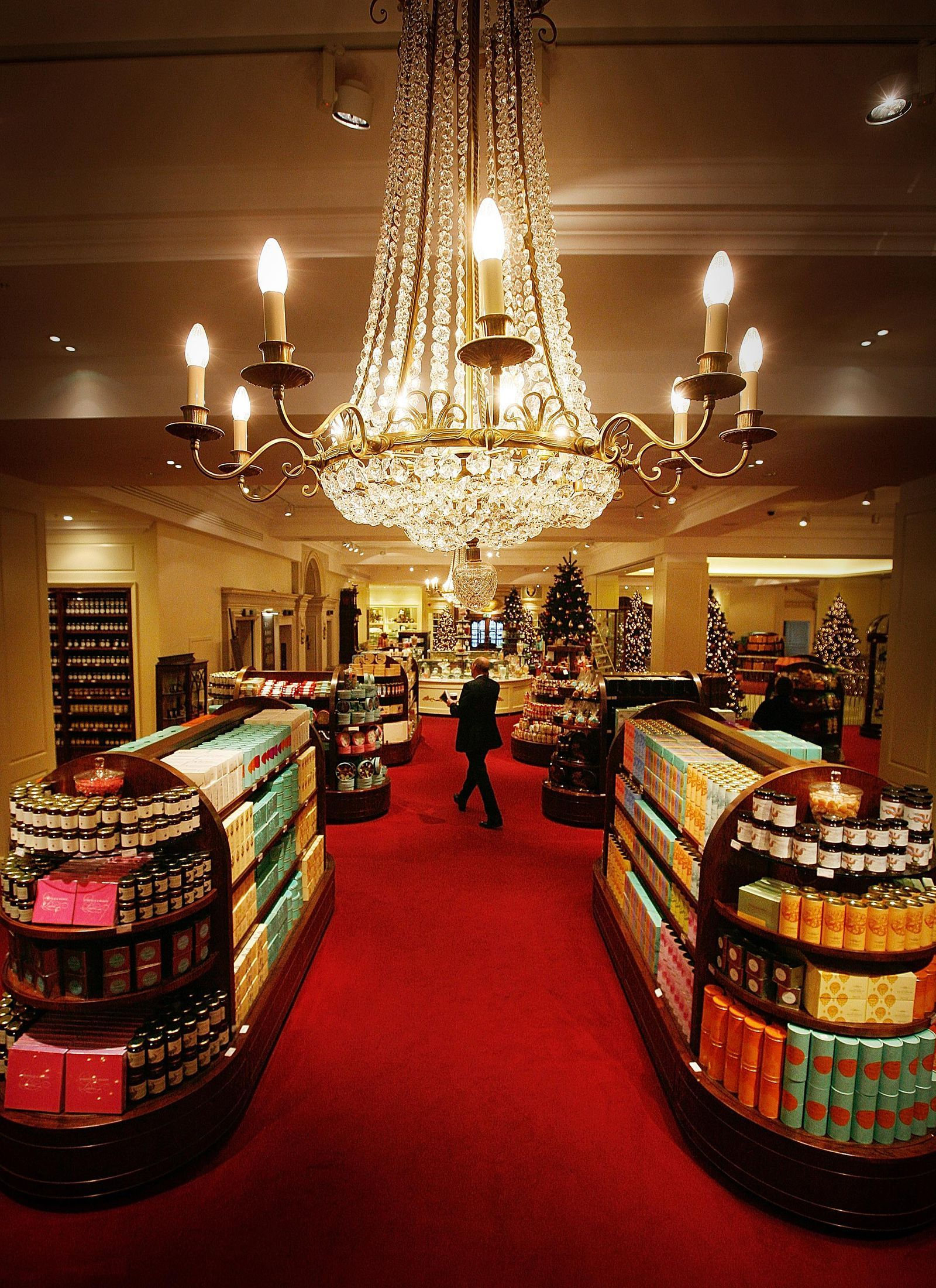 14 Reasons Why Fortnum Mason Is The Best Grocery Store In London London Grocery Stores Fortnum And Mason London