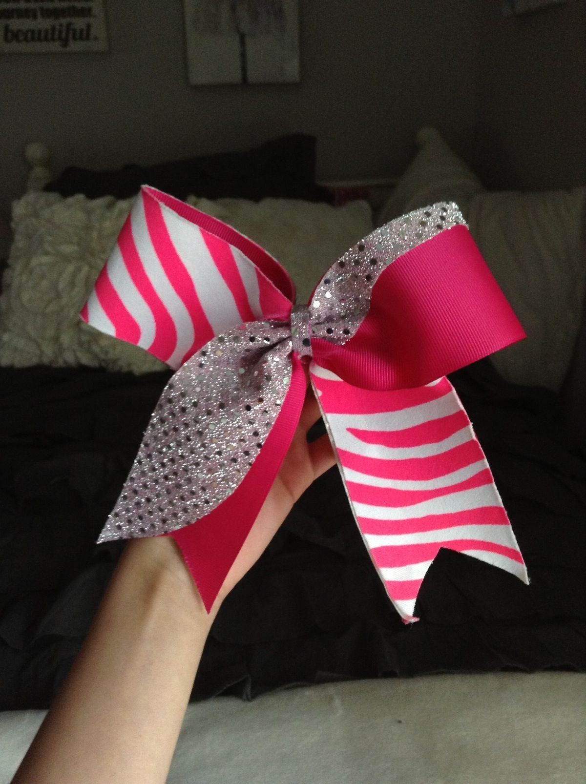 Pin by Olivia MacGrath on For my Bella;) | Cute cheer bows ...