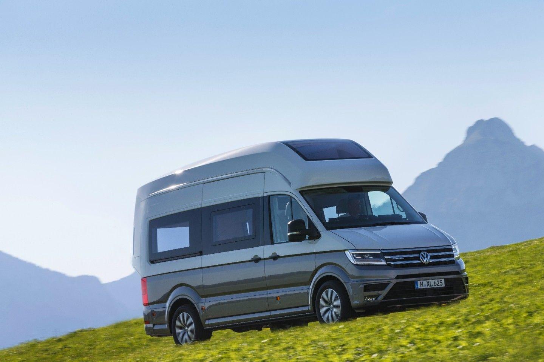 Volkswagen Adds Size And Smarts With New California Xxl Camper Van Concept In 2020 Vw California Camper Volkswagen Volkswagen Camper