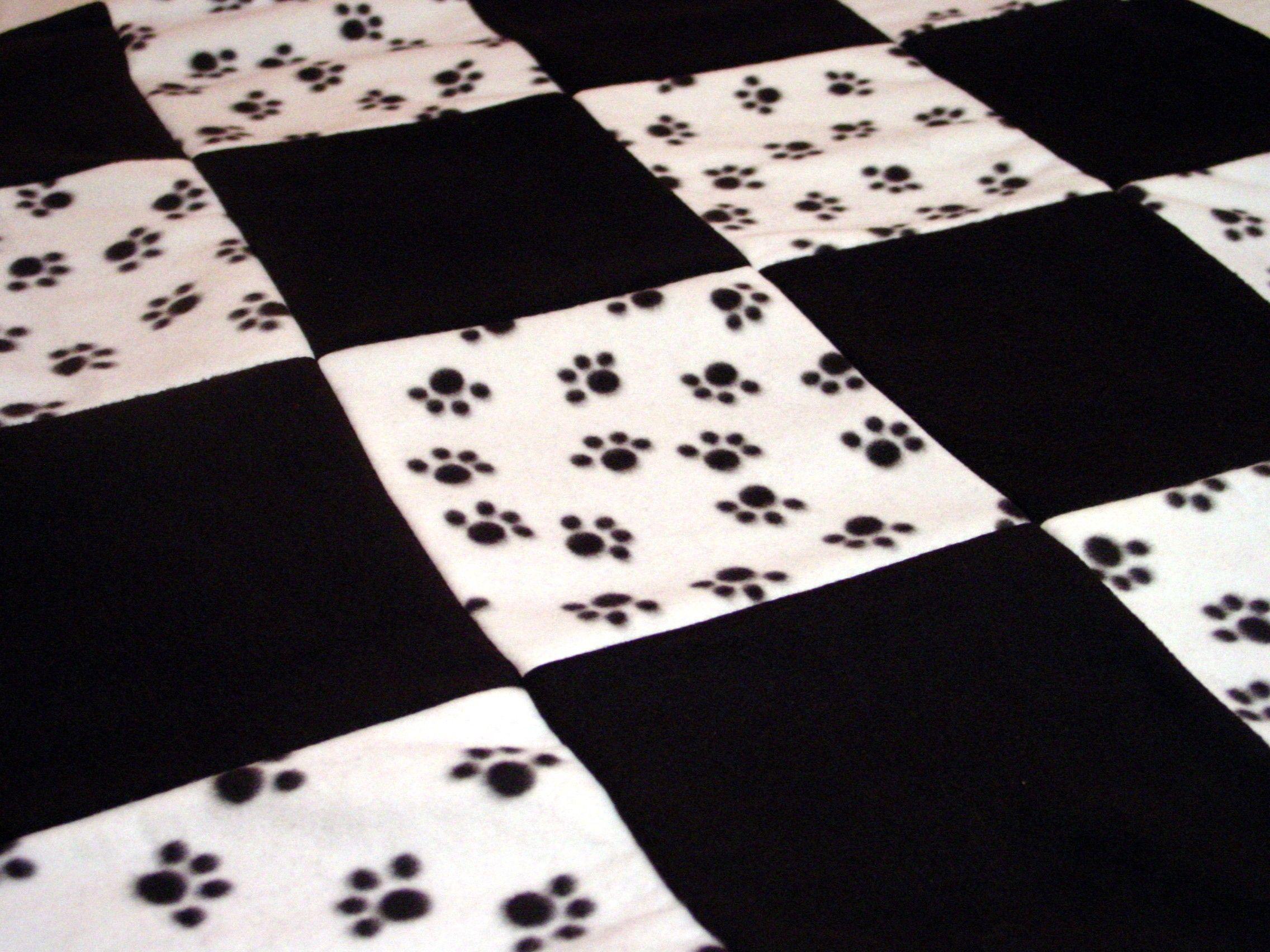 Paw Print Fleece Pet Blanket Craft Ideas Pinterest Blanket