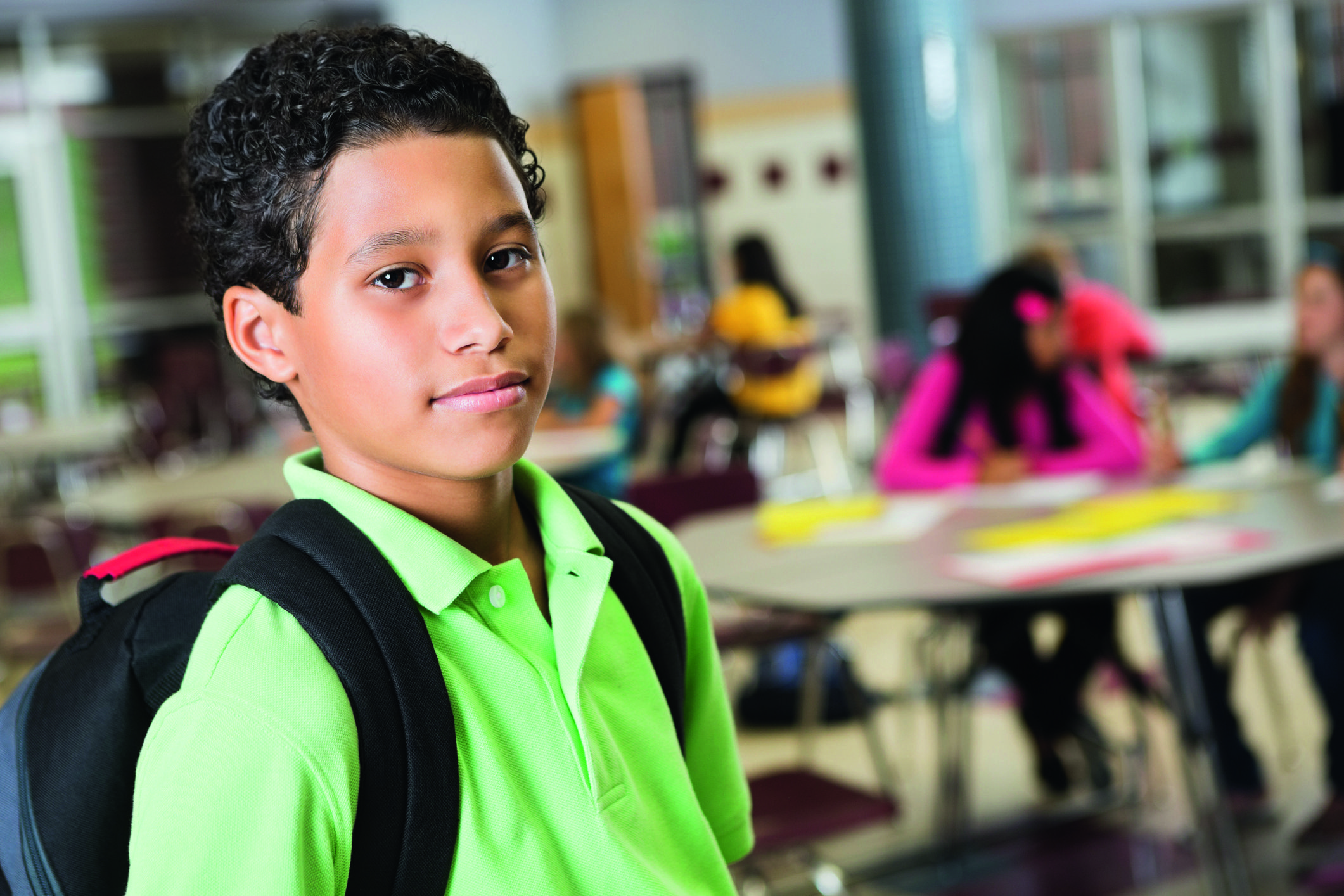 Ouders van kinderen met een ontwikkelingsprobleem die op het punt staan naar de middelbare school te gaan, maken zich vaak zorgen. Dat is zeker niet onterecht. Maar veel problemen zijn te voorkomen door de overstap zorgvuldig voor te bereiden, je kind goed in de gaten te houden en op tijd aan de bel te trekken als het niet goed lijkt te gaan.