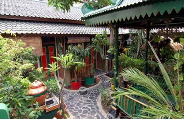 Hotels and Guest houses near stone handicrafts producers