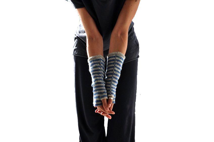 Free Knit / Knitting Pattern Bisontine Mittens by La Maison Rililie ...