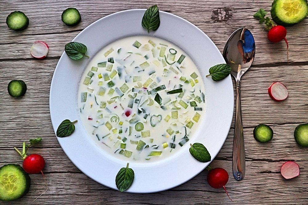 Okroschka Leckeres Rezept Fur Russische Kalte Suppe Rezept Sommer Suppe Leckere Vegetarische Rezepte Kalte Suppe Rezept
