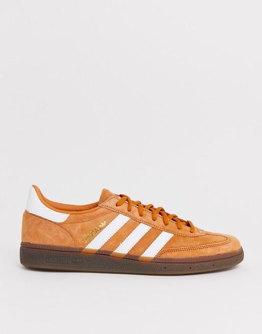 Debilidad materno R  adidas Originals handball spezial trainers in copper with gum sole | Adidas  shoes originals, Adidas originals, Adidas