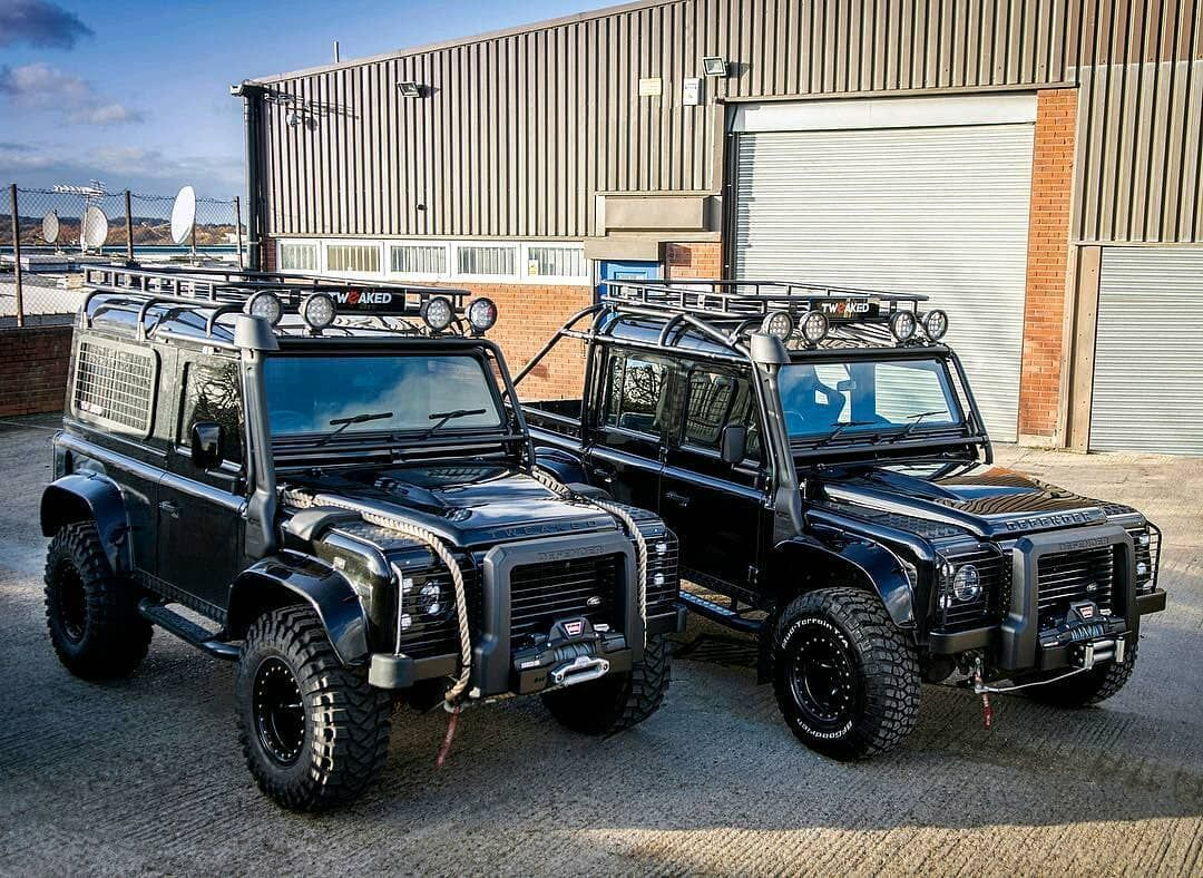 Spectre 90 Vs Spectre 110 Pick One Follow Us Dailyoverland Landrover Defenderseries Land Rover Land Rover Defender Boat Building