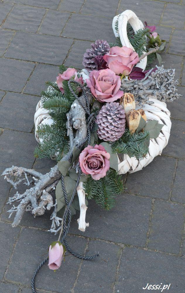 Pin By Barbara Gr On Grabschmuck Funeral Flower Arrangements Cemetery Decorations Funeral Flowers