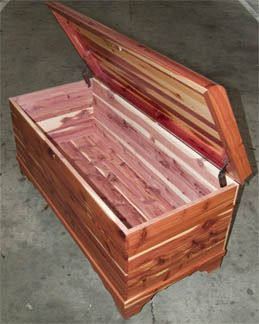 Image Detail For Amish Made Solid Cedar Chest With Padded Top And Lock For My House Cedar Furniture Diy Log Cabin Amish Furniture