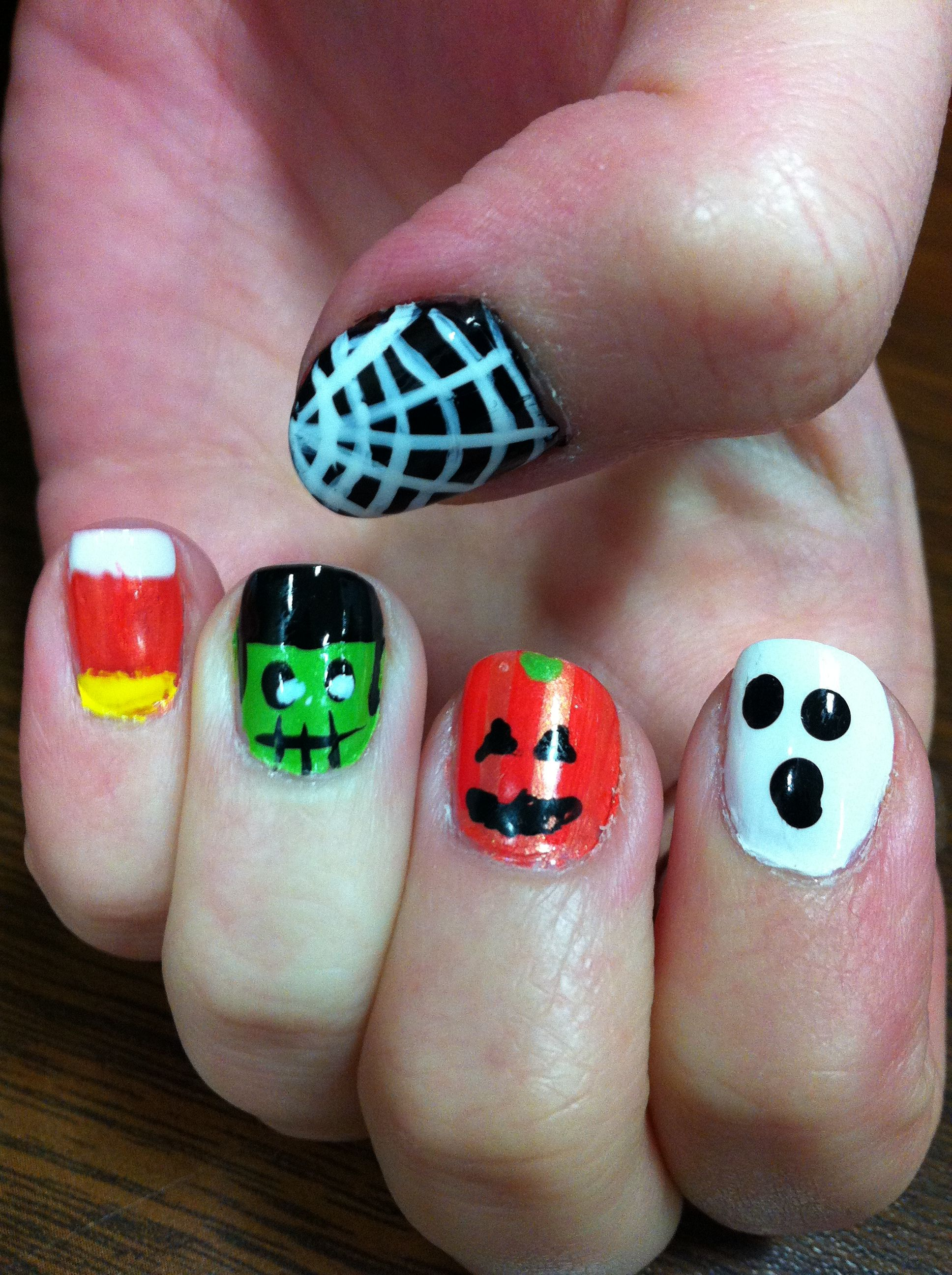 Cute and easy Halloween nails :) | Halloween nails ...