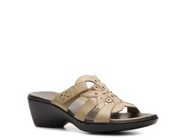 4edc92affb0 Shop Women s Shoes  Wide Width Sandals Sandals – DSW