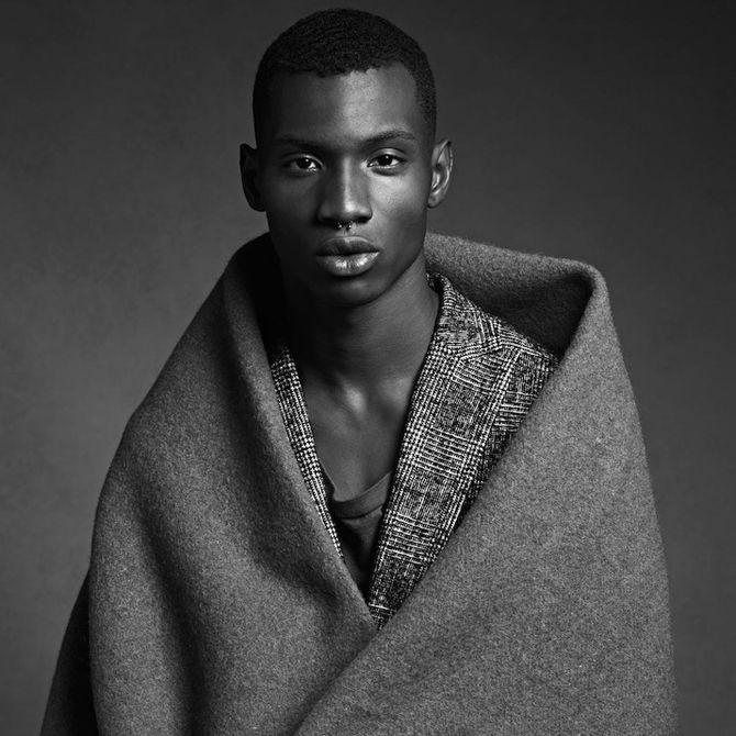 coupe coiffure homme men afro black courte haircuts for blackmen pinterest coupe coiffure. Black Bedroom Furniture Sets. Home Design Ideas