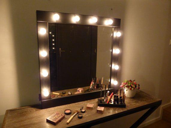 maquillage miroir avec eclairage miroir de courtoisie black ou blanc tenture murale miroir style hollywood pour les accros au maquillage