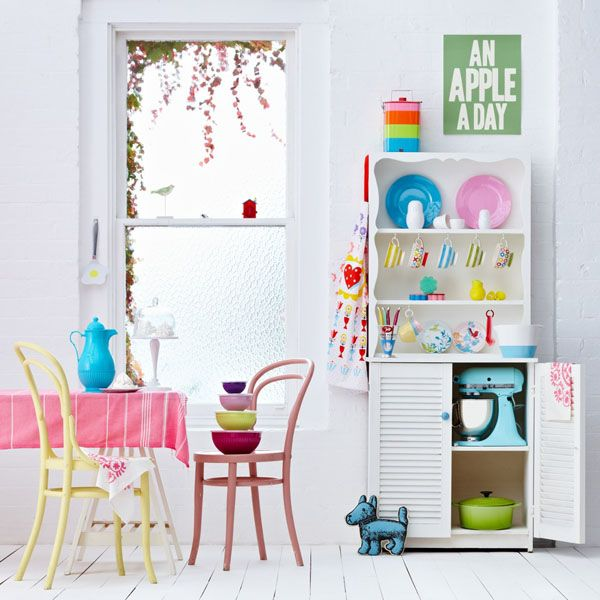 colorful interior styled by Heather Nette King via marinagiller.com