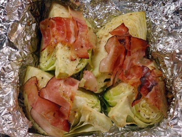 Pečená kapusta s parmezánom a slaninou