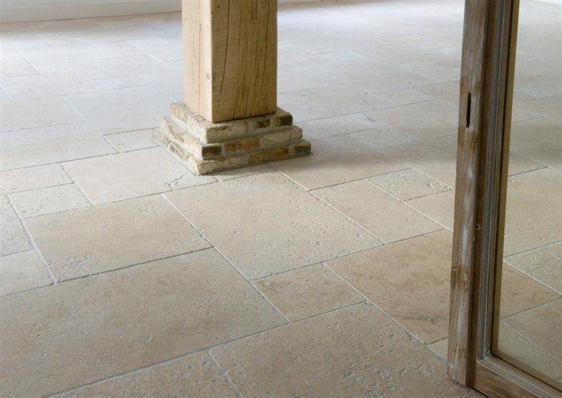 Kersbergen natuursteen vloeren travertin light vloeren van