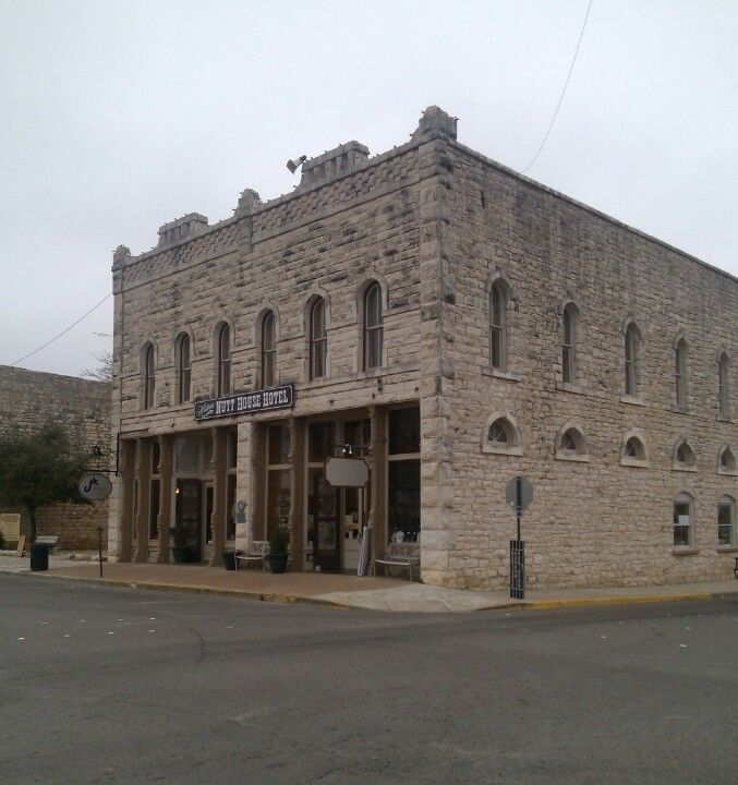 Famous Abandoned Places In California: Haunted Nutt House Hotel In Granbury Tx.