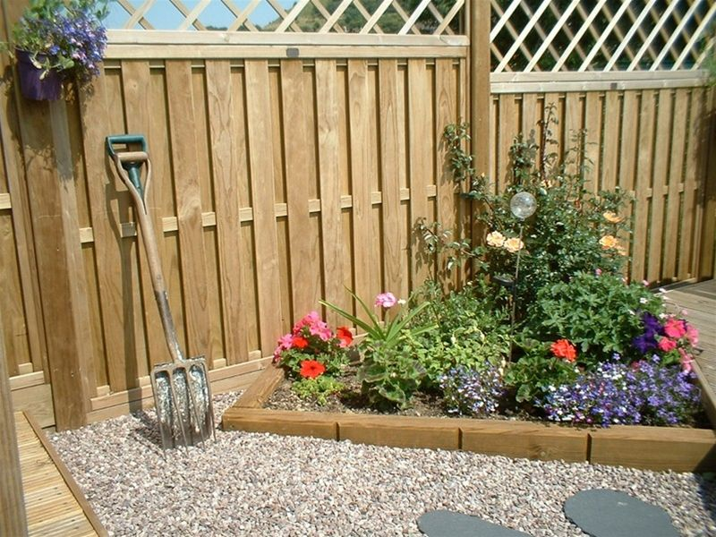 Hit and Miss Fence Panels Both you and your neighbour have a good