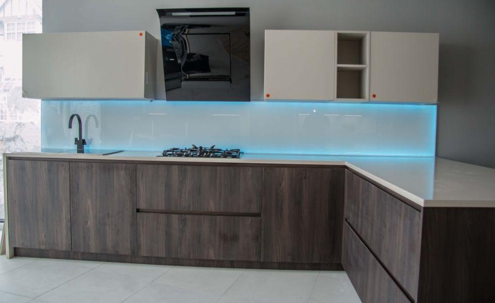 Led Illuminated Splashbacks By Creoglass Design London Uk For