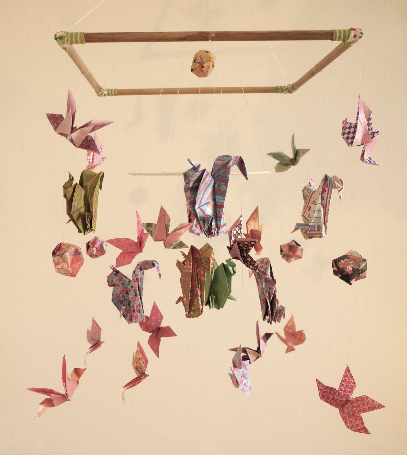 mobile b b origami suspension bois chambre enfant animaux. Black Bedroom Furniture Sets. Home Design Ideas