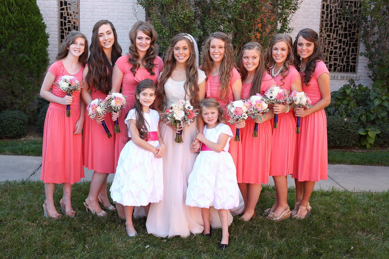 Jessa duggar and ben seewald wedding the bridesmaids for Jessa duggar wedding dress