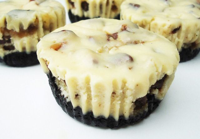 Twix cheesecakes with oreo crust!! How can you go wrong?