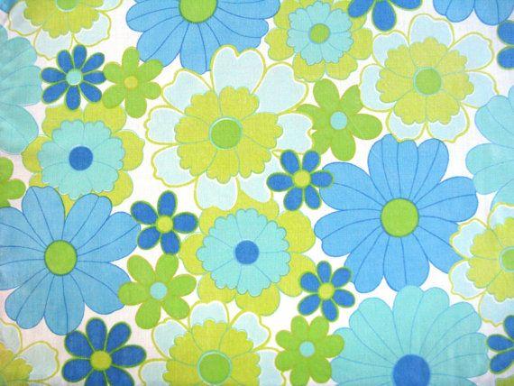 Vintage Sheet Fat Quarter - Big Retro Blue and Green Floral