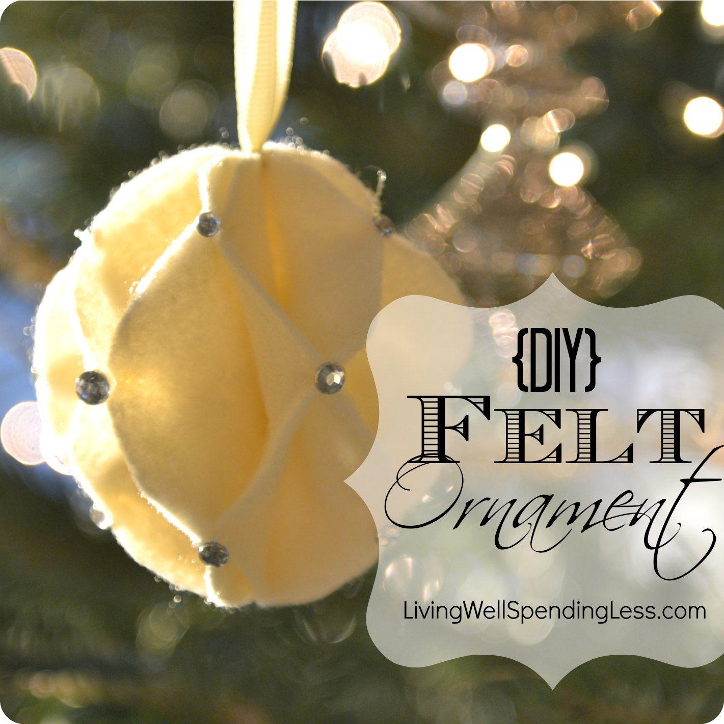 DiY felt snowball ornament--so cute!  #DiY #Christmas #Ornament