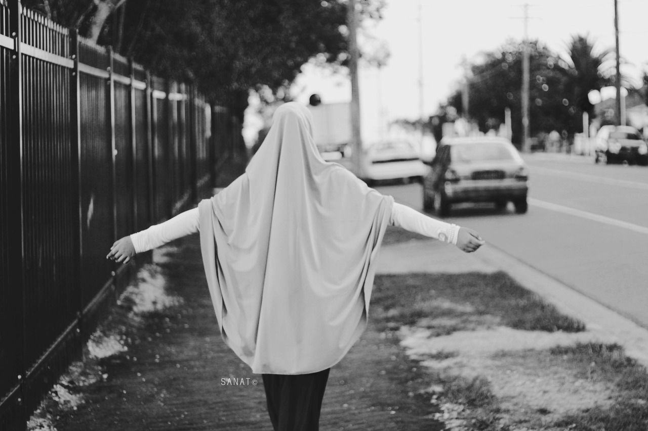 Tumblr hijab black and white