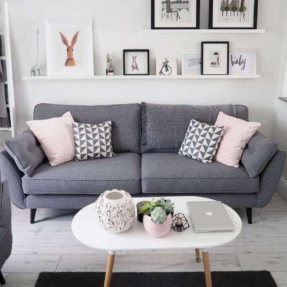 Sala cinza confira vários produtos de decoração para a sua sala
