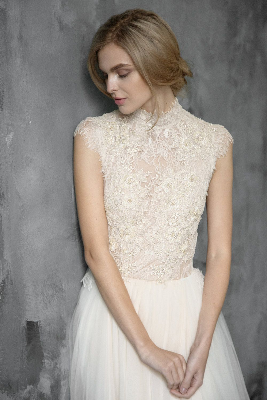 Last sample tulle wedding gown peitho champagne wedding dress